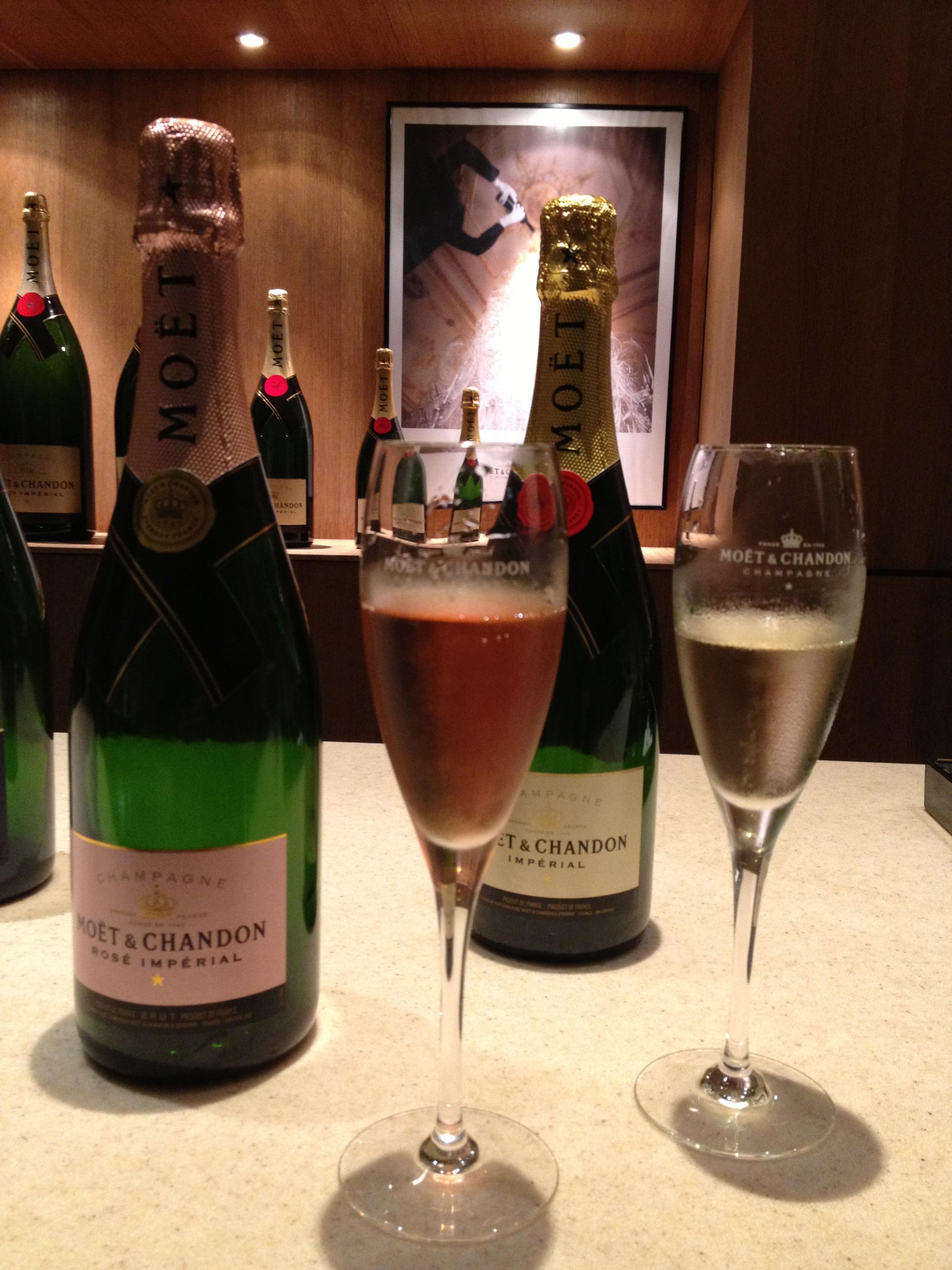 Mo t et chandon risa 39 s pieces - Seau a champagne moet et chandon ...